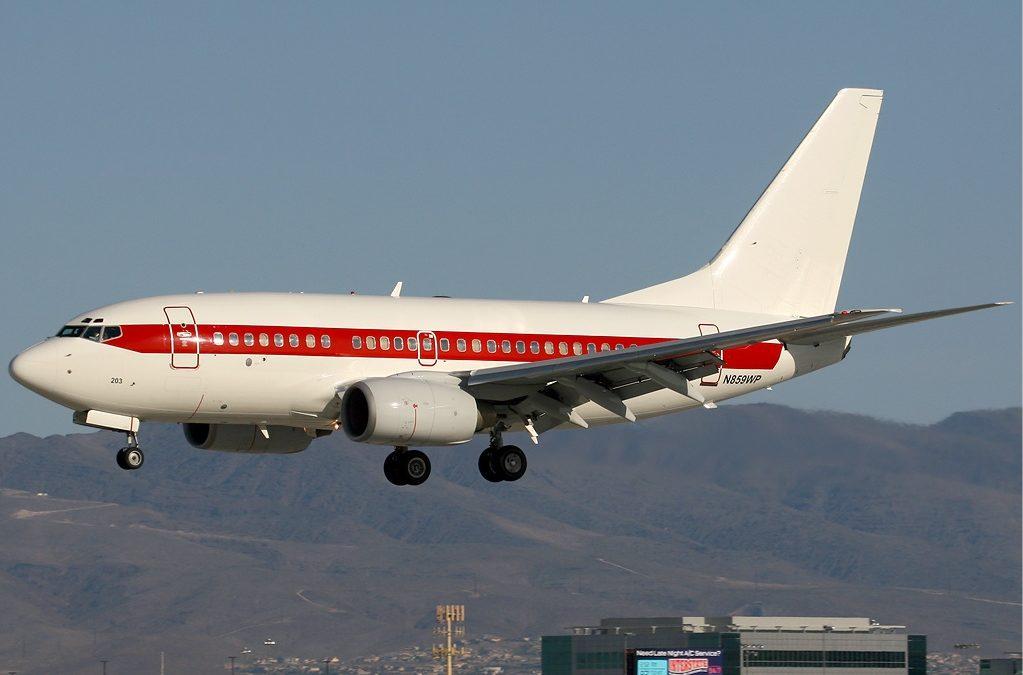 Se buscan pilotos de Boeing 737NG para volar al Área 51