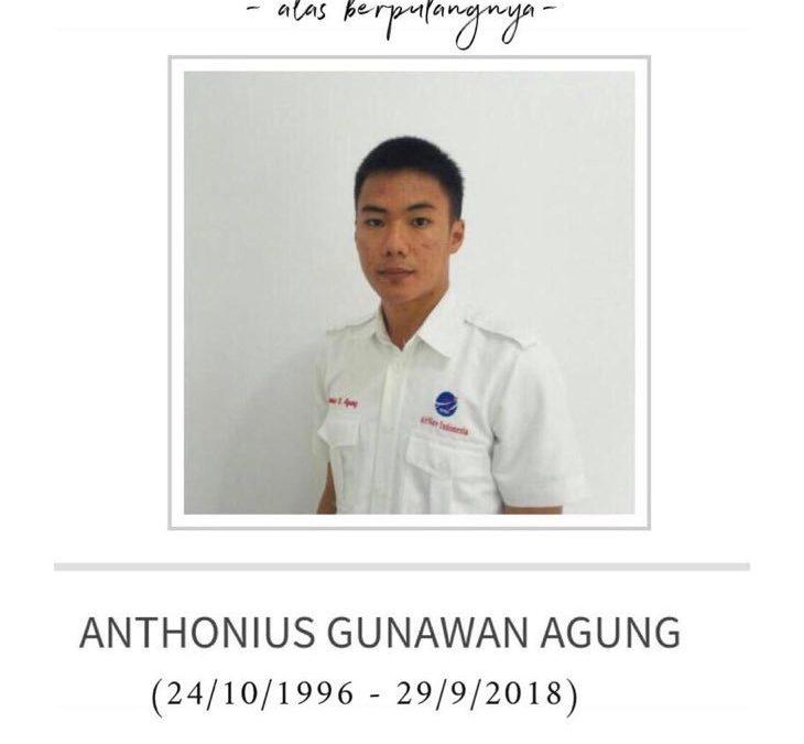 El controlador aéreo Anthonius, héroe del terremoto en Indonesia