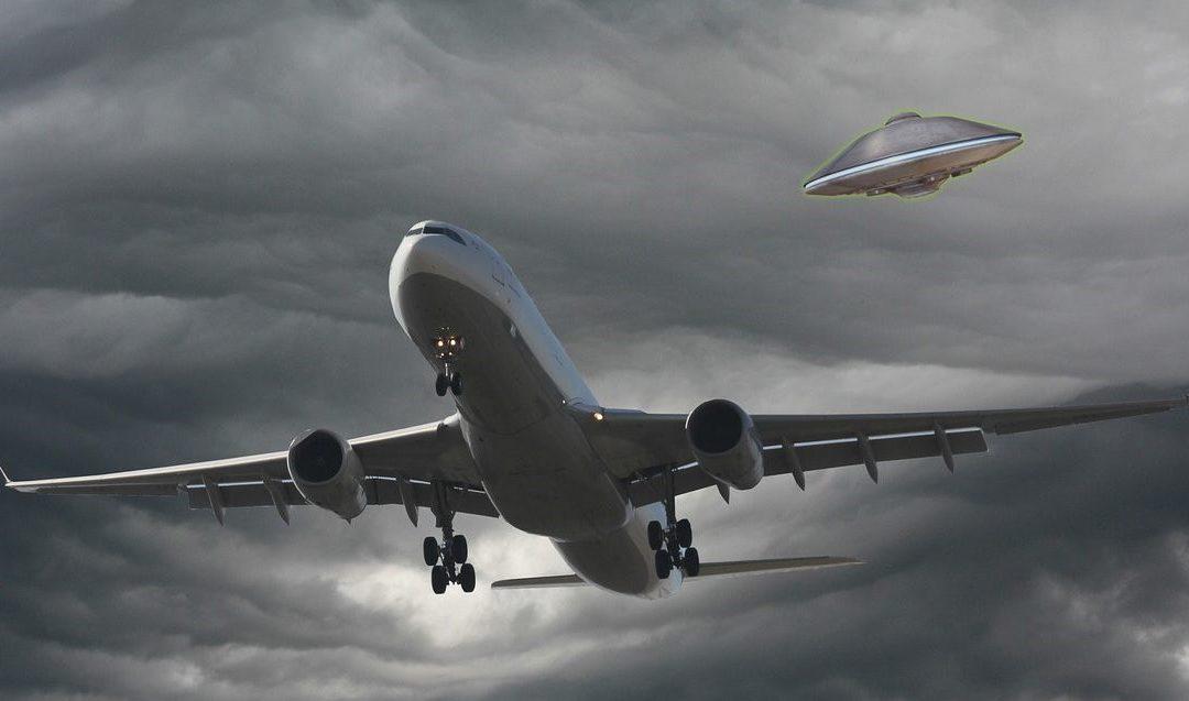 6 aviones comerciales avistan OVNIS en Chile