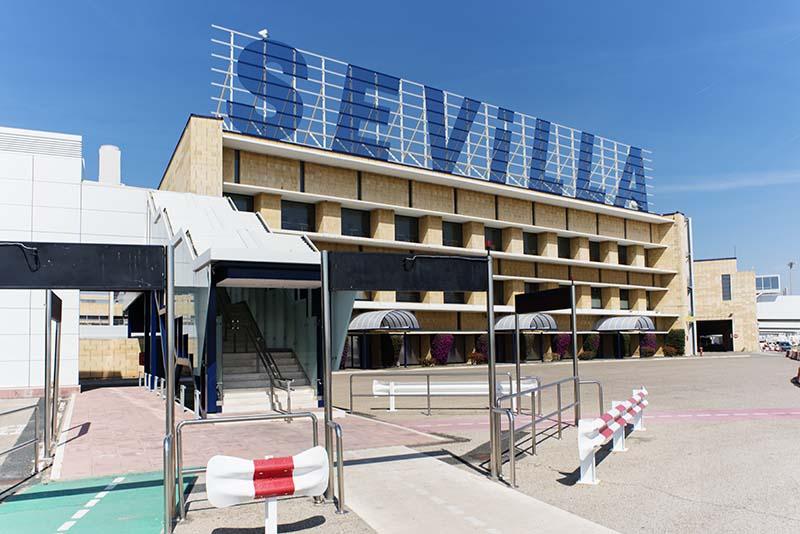 Los fantasmas de la vieja terminal del Aeropuerto de Sevilla