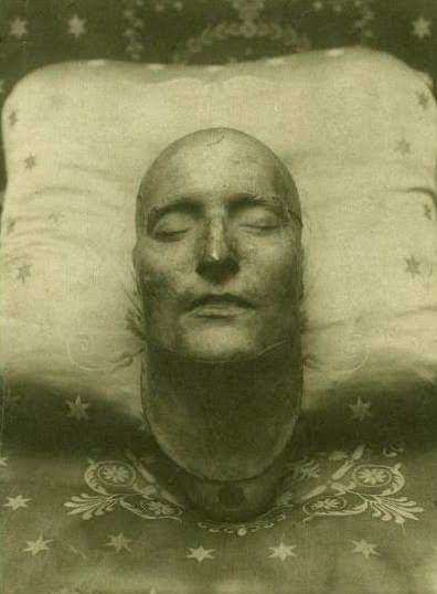 El misterio de la máscara mortuoria de Napoléon. El rostro de la obsesión…