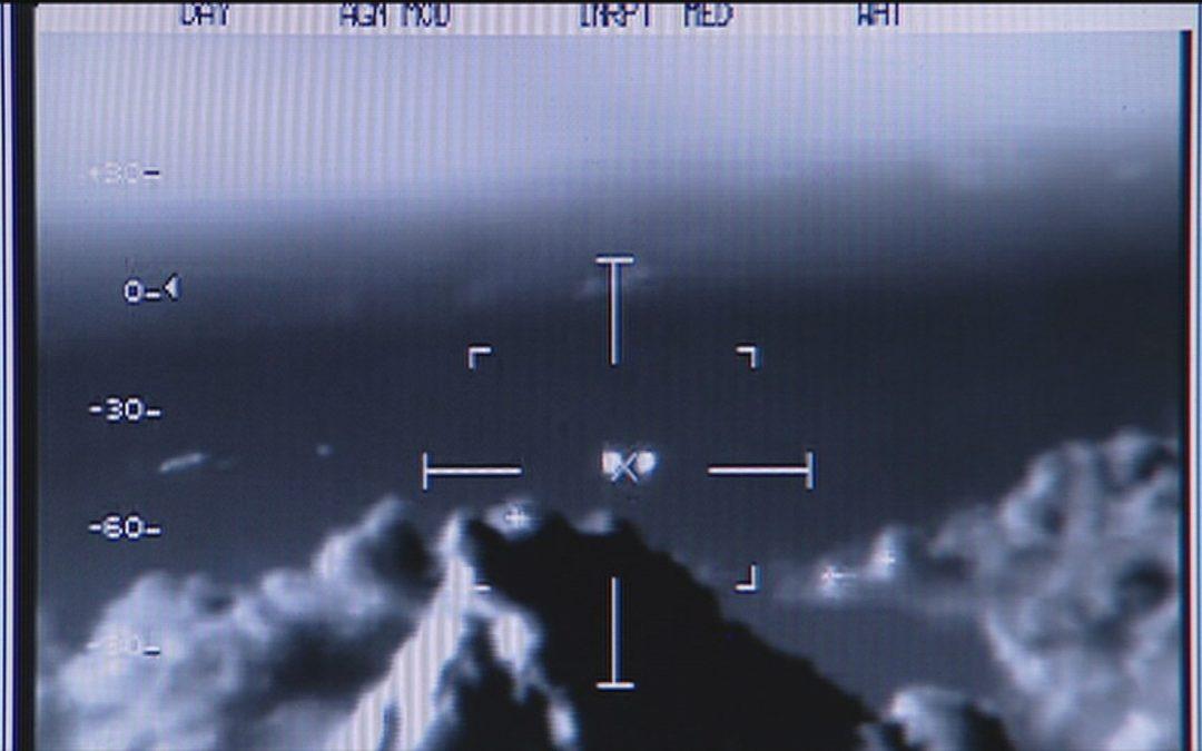 La Fuerza Naval de EEUU da un paso al frente. Confirma la presencia de OVNIS en nuestros espacios aéreos